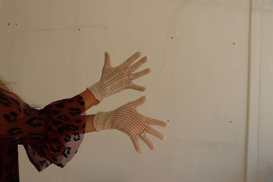 muzej odbačenih predmeta izložak rukavice